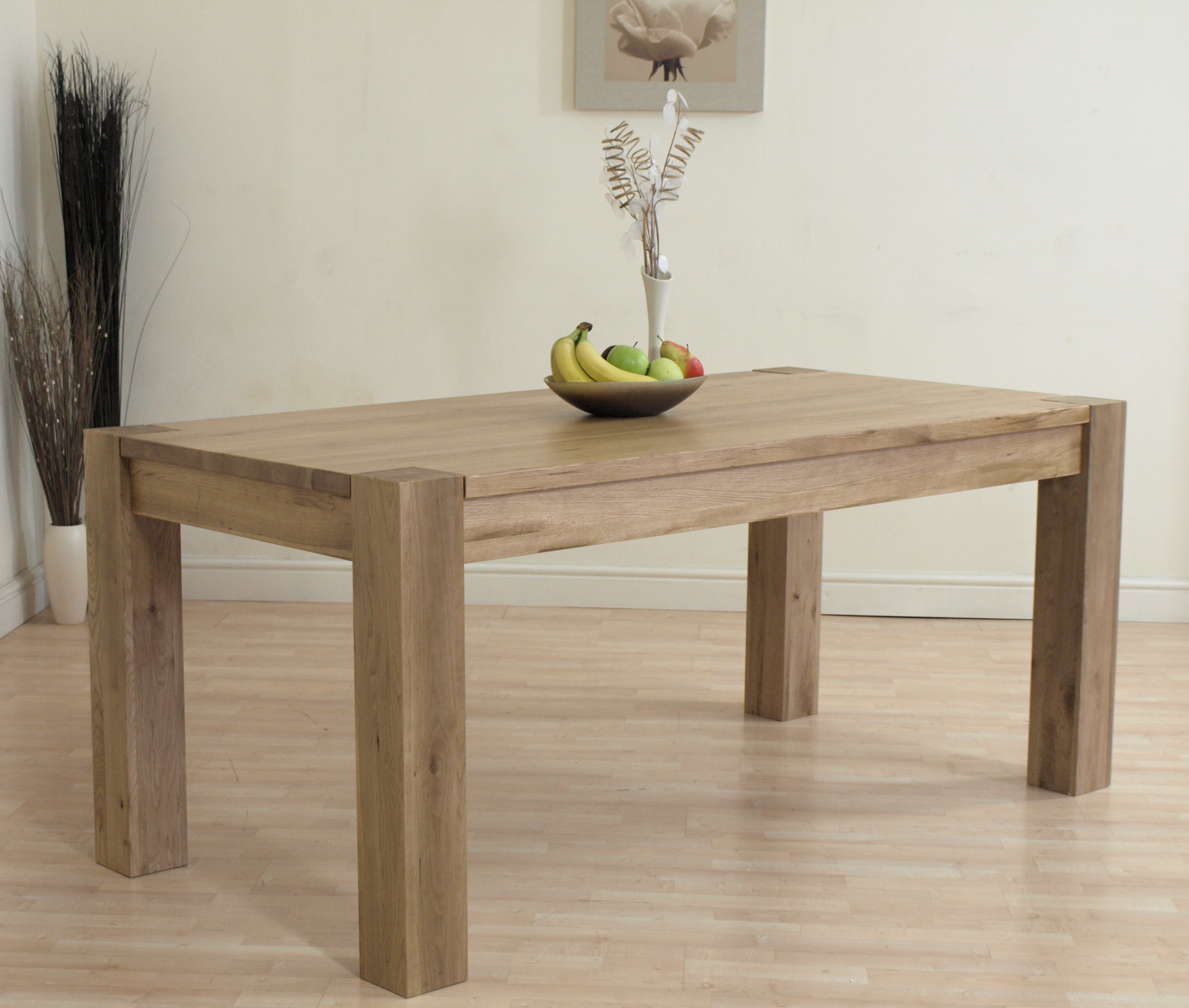 Kuba solid oak dining table and 6 ivory leather chairs ebay for Solid oak dining table